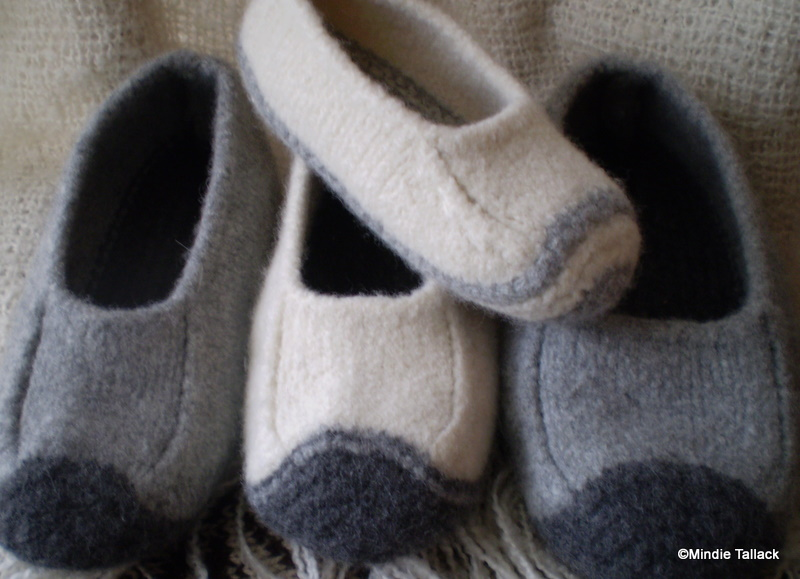 Felted Slippers Knitting Pattern : Free Felted Slipper Patterns   Catalog of Patterns